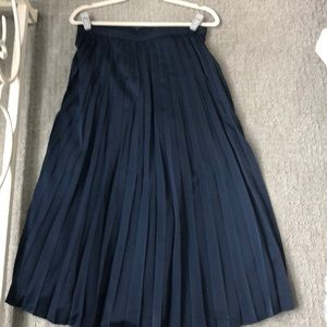 Navy midi skirt with mini pleats